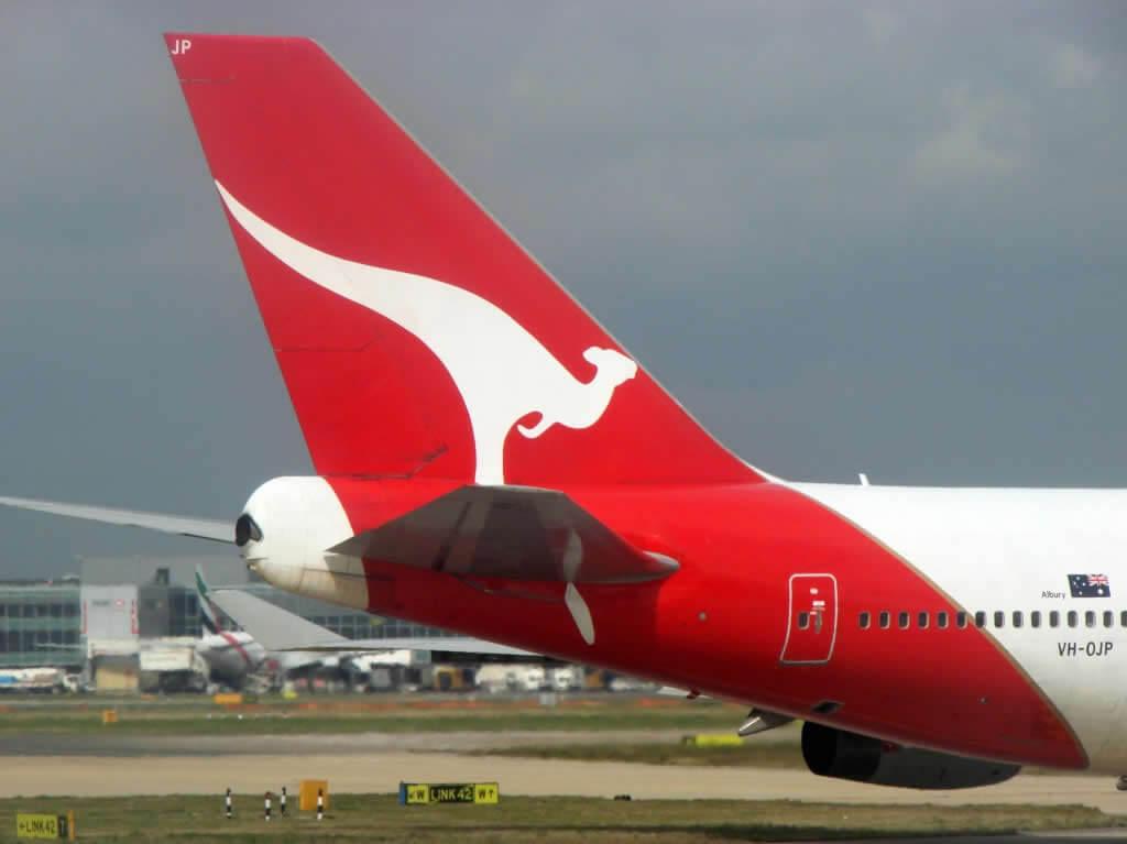 """Autor del """"pastelazo"""" contra director ejecutivo de la aerolínea Qantas explica por qué lo agredió"""