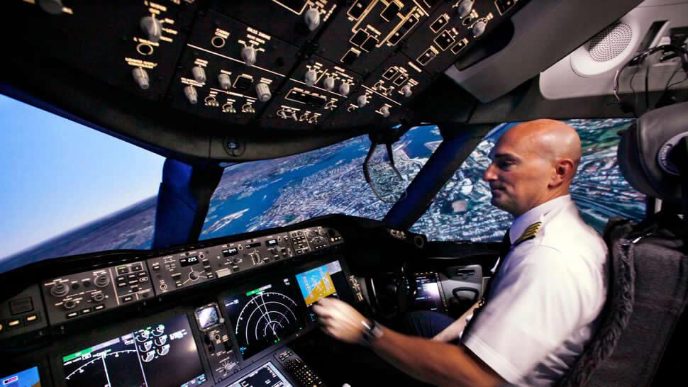 Easyjet lanza la mayor convocatoria para la contratación de pilotos de su historia 450
