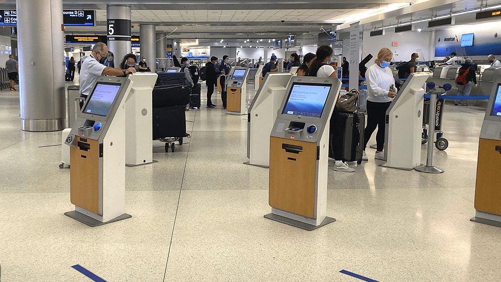 Miami continúa la recuperación de su conectividad aérea