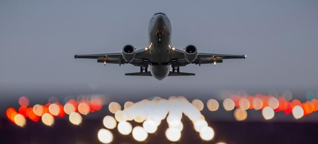 Pasajeros demandan a cuatro aerolíneas que vuelan a Venezuela por cargos adicionales