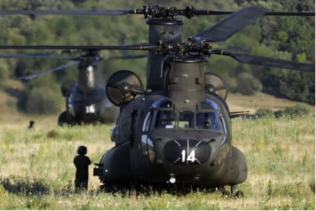 Helicopteros Boeing CH-47 Chinook de FAMET